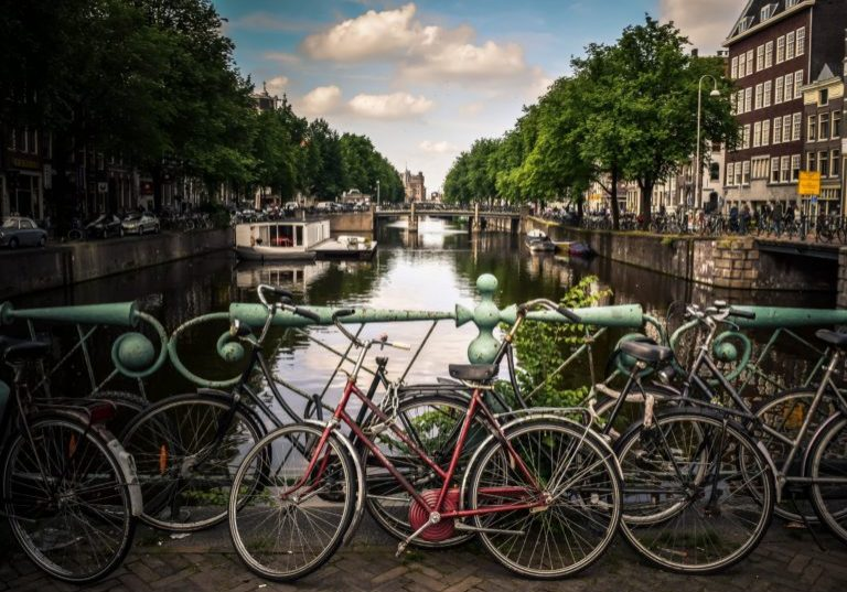 Amsterdam-768x554